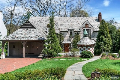 Ridgewood Single Family Home For Sale: 51 North Hillside Place
