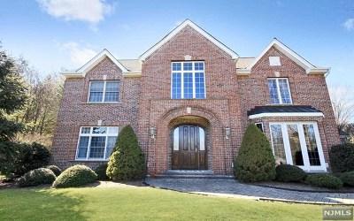 Mahwah Single Family Home For Sale: 26 Crocker Mansion Drive