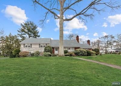 Glen Rock Single Family Home For Sale: 32 Lowell Road