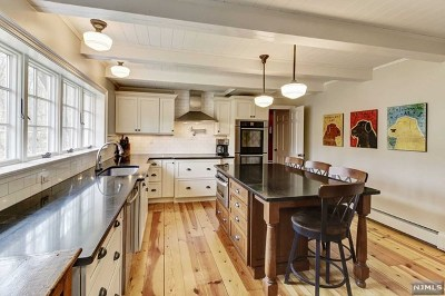 Mahwah Single Family Home For Sale: 1214 Ramapo Valley Road