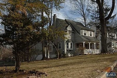 Teaneck Single Family Home For Sale: 623 Winthrop Road