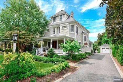Ridgewood Single Family Home For Sale: 142 Kenilworth Road