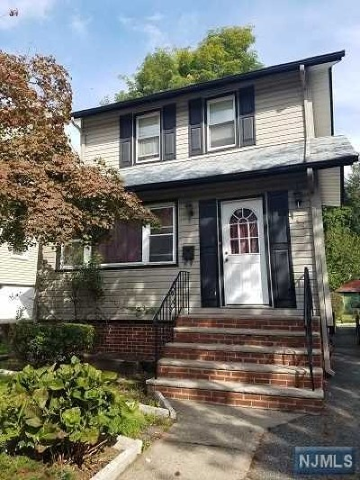 Teaneck Single Family Home For Sale: 49 Franklin Road