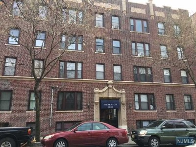 Weehawken Condo/Townhouse For Sale: 35-39 51st Street #D1