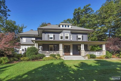 Ridgewood Single Family Home For Sale: 64 Crest Road