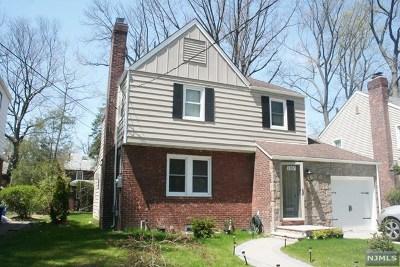 Teaneck Single Family Home For Sale: 1104 Belle Avenue