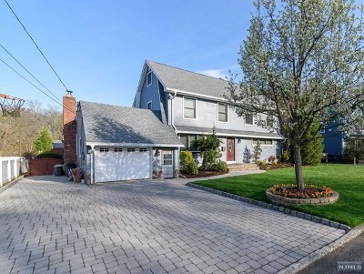 Cresskill Single Family Home For Sale: 24 Beechwood Road