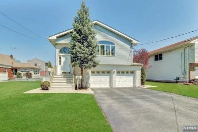 Saddle Brook Single Family Home For Sale: 493 Van Orden Street