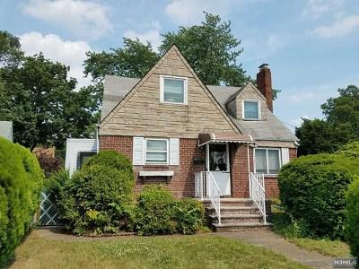 Fair Lawn Single Family Home For Sale: 1 Margaret Court