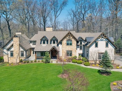 Upper Saddle River Single Family Home For Sale: 107 Dimmig Road
