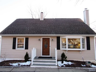 Oakland Single Family Home For Sale: 533 Ramapo Valley Road