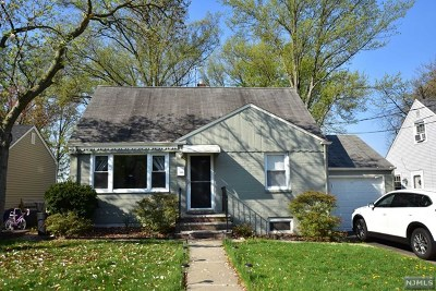 Maywood Single Family Home For Sale: 122 West Central Avenue