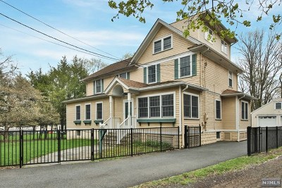 Glen Rock Single Family Home For Sale: 724 Harristown Road
