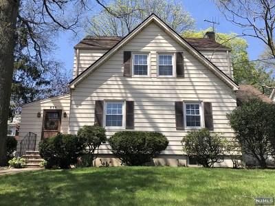 Oradell Single Family Home For Sale: 835 Kinderkamack Road