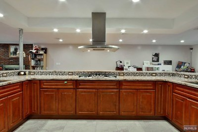 Fair Lawn Single Family Home For Sale: 16-22 Alden Terrace