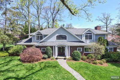 Ridgewood Single Family Home For Sale: 285 Manor Road