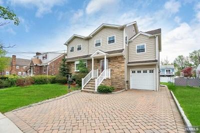 Saddle Brook Single Family Home For Sale: 54 Pehle Avenue