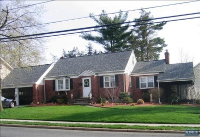 Oradell Single Family Home For Sale: 717 Ridgewood Road