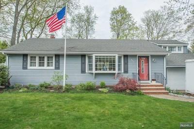 Paramus Single Family Home For Sale: 351 Janet Avenue