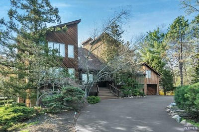 Woodcliff Lake Single Family Home For Sale: 121 Pascack Road