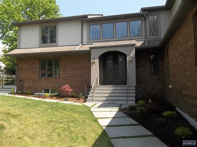 Cresskill Single Family Home For Sale: 42 County Road