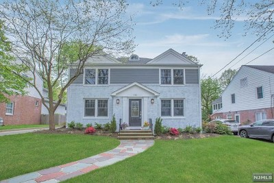 Teaneck Single Family Home For Sale: 580 Rutland Avenue