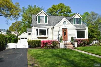 Ridgewood Single Family Home For Sale: 342 South Van Dien Avenue
