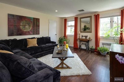 Englewood Condo/Townhouse For Sale: 520 Broad Avenue #2