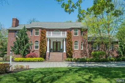 Franklin Lakes Single Family Home For Sale: 210 Wayfair Circle