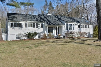 Franklin Lakes Single Family Home For Sale: 821 Scioto Drive