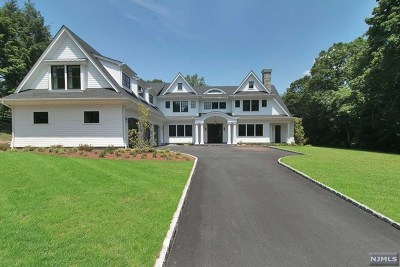 Upper Saddle River Single Family Home For Sale: 49 Stone Ledge Road