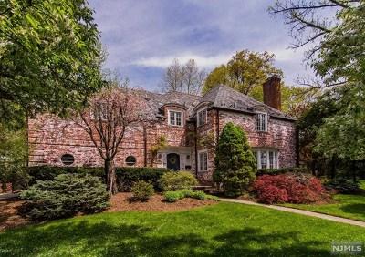 Ridgewood Single Family Home For Sale: 307 Glenwood Road