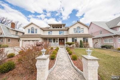 Cliffside Park Single Family Home For Sale: 27 Riverview Avenue