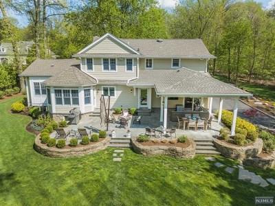 Mahwah Single Family Home For Sale: 9 Carol Street
