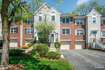Mahwah Condo/Townhouse For Sale: 1075 Ash Drive
