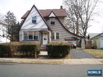 Teaneck Single Family Home For Sale: 1135 Anna Street