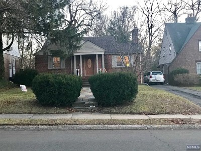 Teaneck Single Family Home For Sale: 716 Ramapo Road