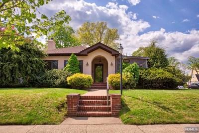 River Edge Single Family Home For Sale: 929 Summit Avenue