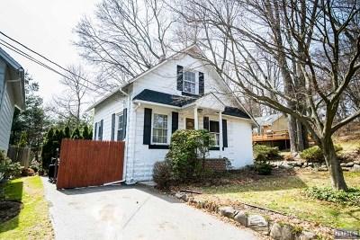 Park Ridge Single Family Home For Sale: 25 Cascade Avenue