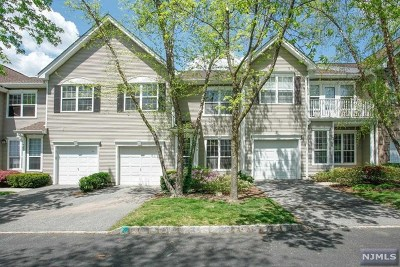 Mahwah Condo/Townhouse For Sale: 370 Catskill Court