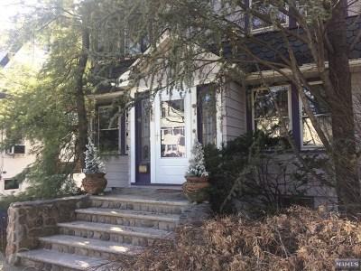 Ridgewood Single Family Home For Sale: 238 Doremus Avenue