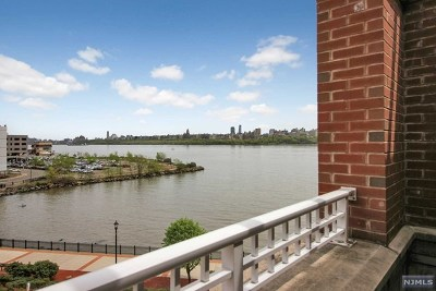 North Bergen Condo/Townhouse For Sale: 7400 River Road #419