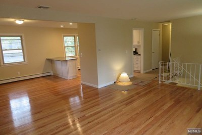 Waldwick Single Family Home For Sale: 5 Darling Road