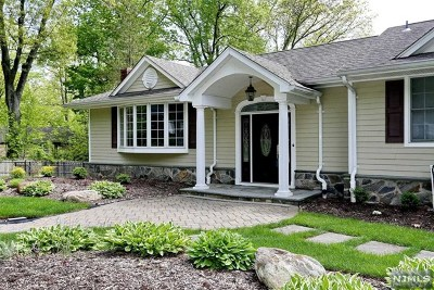 Woodcliff Lake Single Family Home For Sale: 17 Dorchester Road