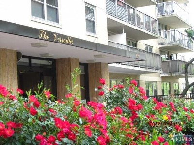 West New York Condo/Townhouse For Sale: 6600 Boulevard East #7k