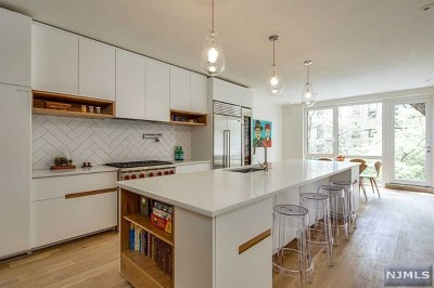 Hoboken Single Family Home For Sale: 920 Bloomfield Street