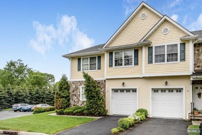 Waldwick Condo/Townhouse For Sale: 15 Dipippo Court