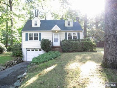 Montvale Single Family Home For Sale: 45 Forest Avenue