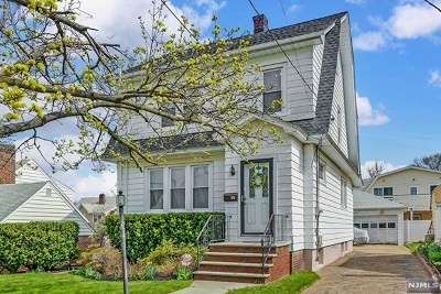 Hackensack Single Family Home For Sale: 376 Sutton Avenue
