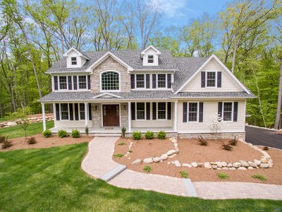 Franklin Lakes Single Family Home For Sale: 730 McCoy Road